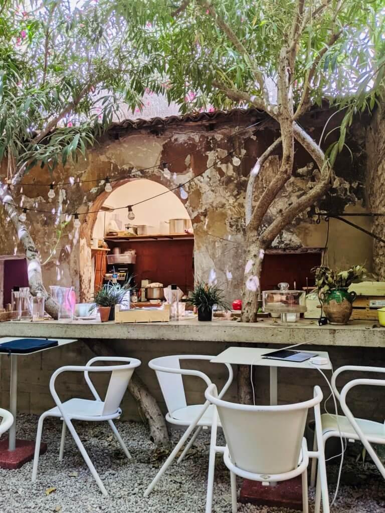 marseille-restaurant-epicerie-local-jogging
